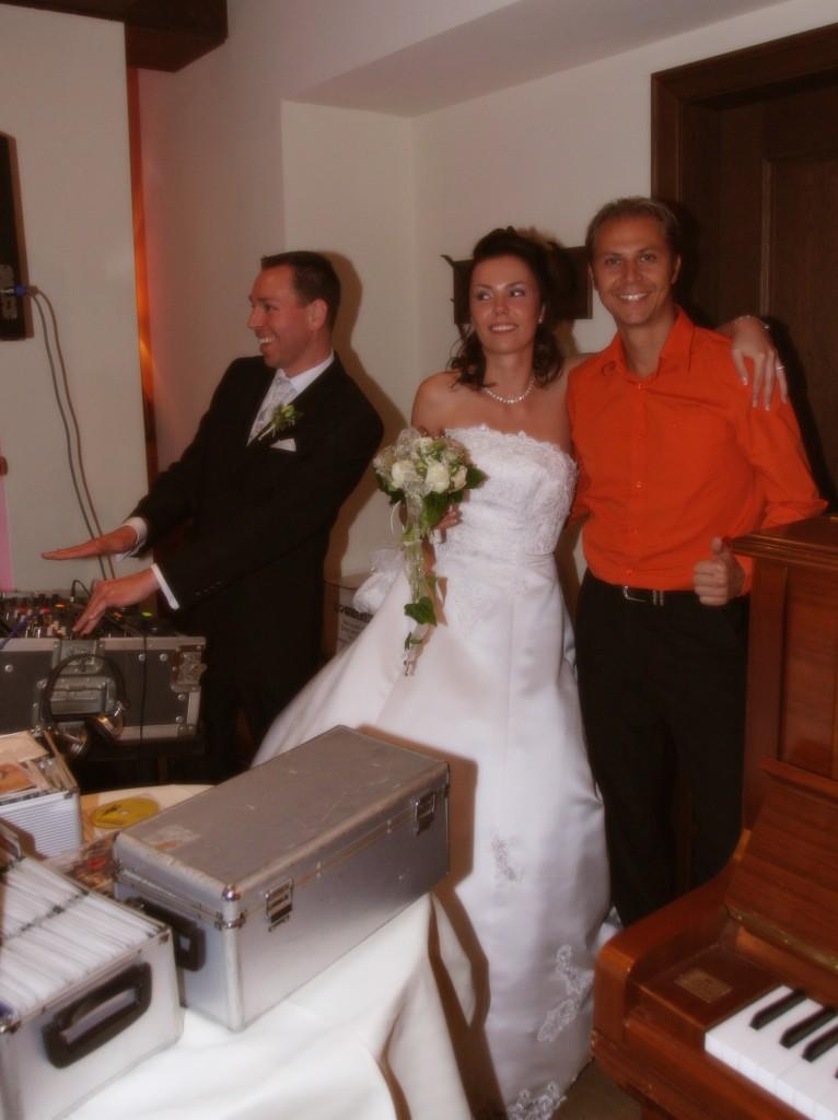Hochzeit-gothisches-haus-1-766x1024
